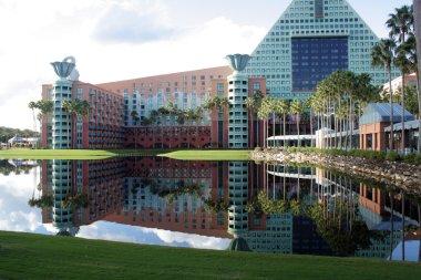 Dolphin Hotel at Walt Disney World (10)