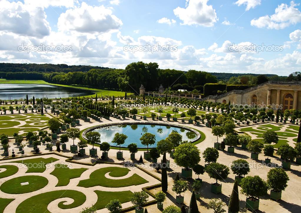 Decoratief Tuinen Het Kasteel Van Versailles Frankrijk Stockfoto