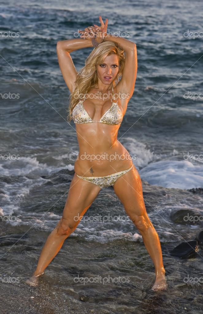 Bikinis playa mojada