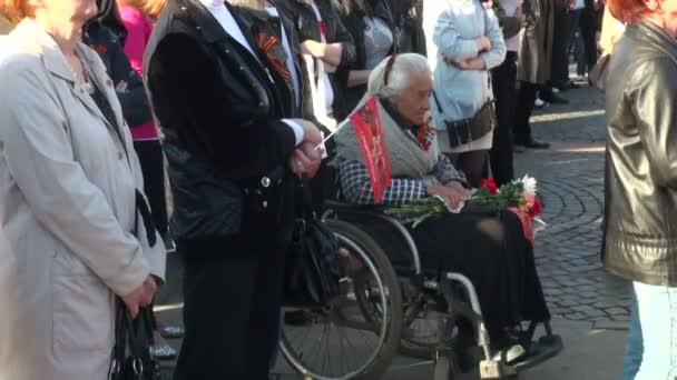babička na vozíčku