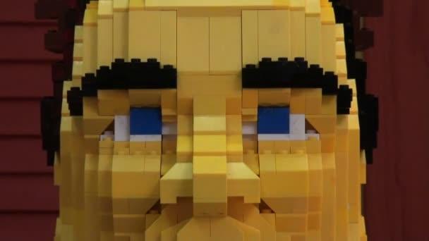 muž v přirozené velikosti lego