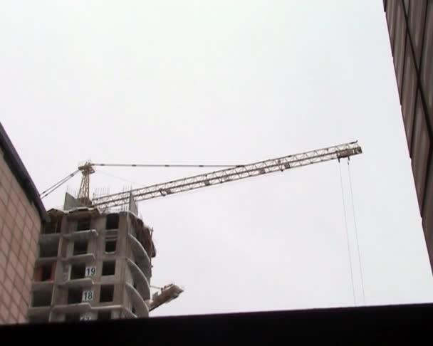 Kran auf einer Baustelle
