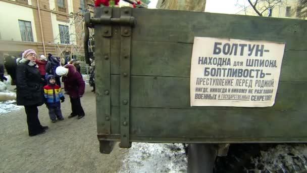 propaganda poszterek a blokádot leningrádi.