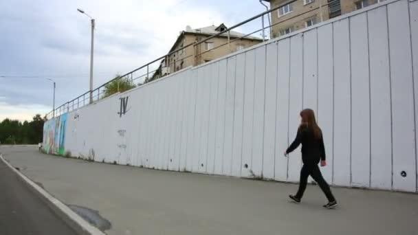 obrazy a kresby na plot. graffiti