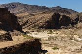 Fotografie vyschlé koryto řeky v sossusvlei, Namibie