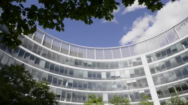 moderní architektura budovy. Podrobnosti o mrakodrap ve Varšavě