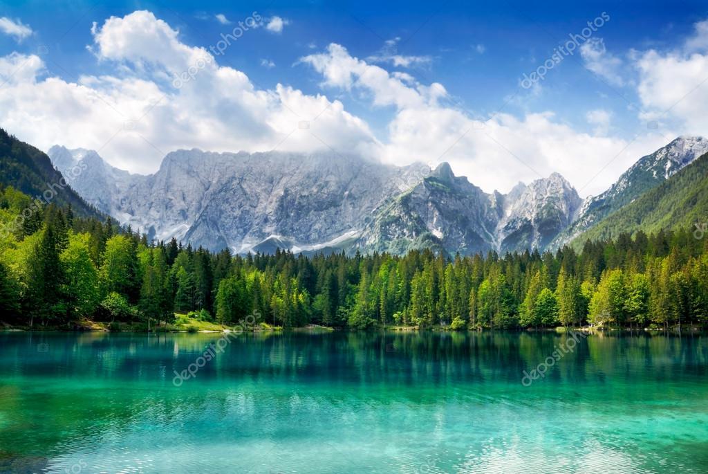 Фотообои Beautiful lake with mountains in the background
