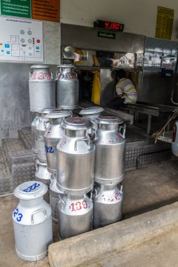 Transports Raw milk to the embodiment cooperatives in Thailand
