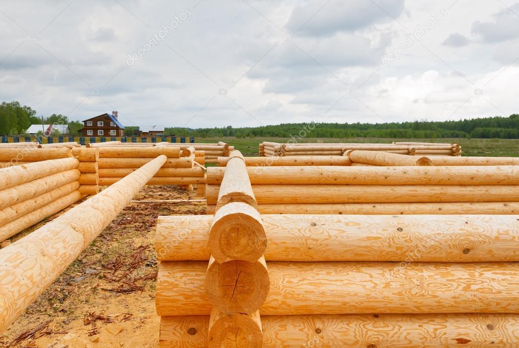 Casa de troncos de madera foto de stock 46262959 - Casas de madera de troncos ...