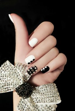 Manicure on short nails.