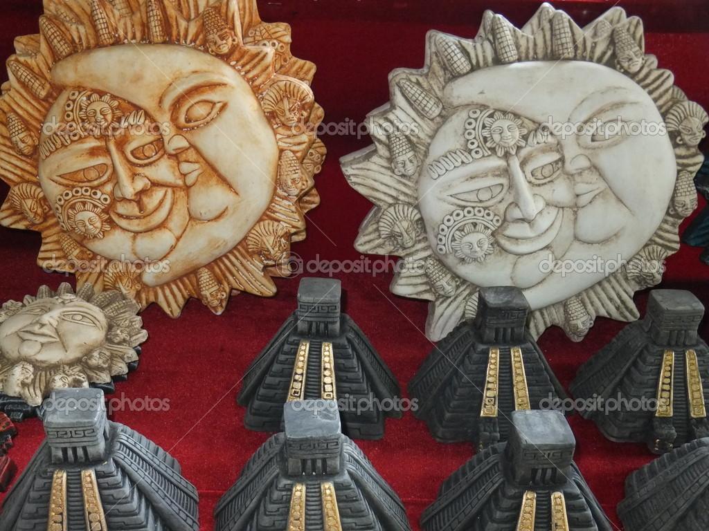Artesanías Mayas Foto De Stock Sainaniritu 13919254