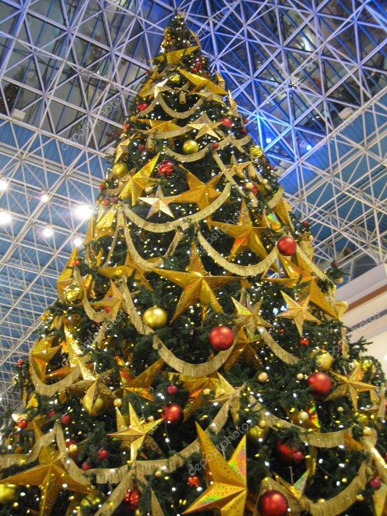 christmas tree at wafi shopping mall in dubai uae photo by sainaniritu - Christmas Tree Shopping