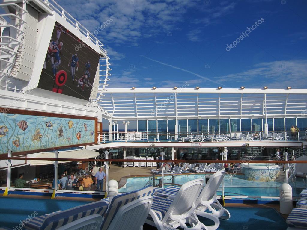 Ruby Princess Cruise Ship Stock Photo 169 Sainaniritu 14276179