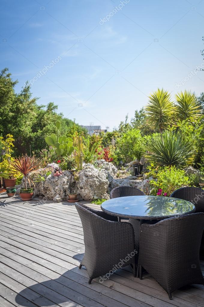Moderne Gartenanlage Stockfoto C Mrsegui 18969681