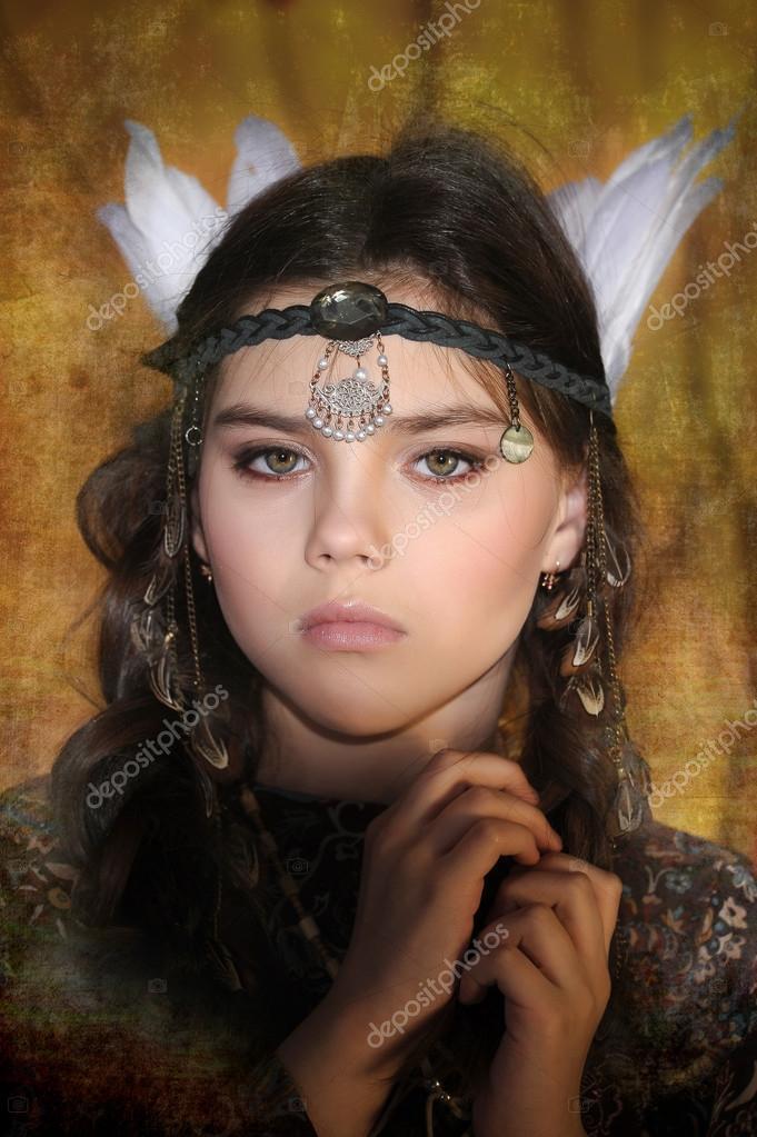Ritratto di ragazza indiana americana con accessorio testa for Piani di progettazione domestica indiana con foto