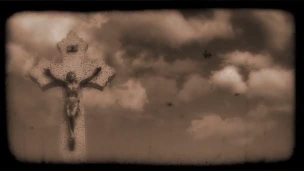 Vintage Film feszület a felhők mozgó a háttérben