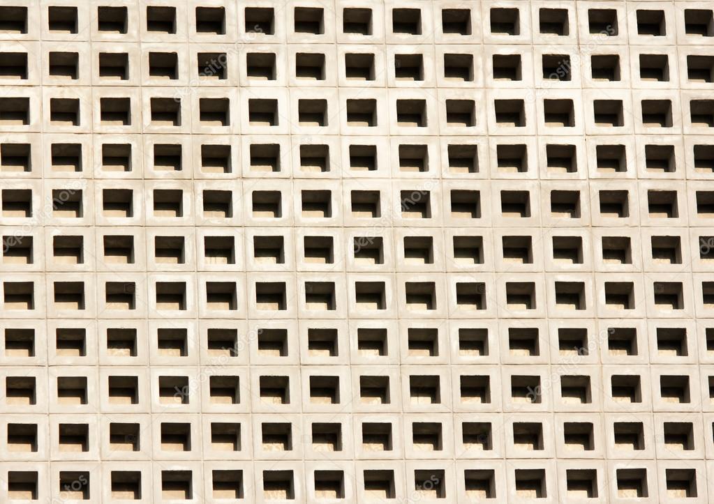 pared de bloques de cemento perforada — Foto de stock © sritangphoto ...