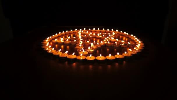 dolly pentagramma candele