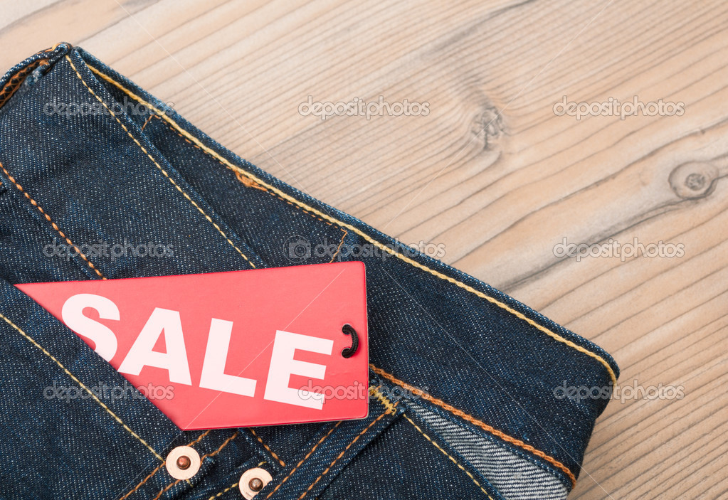 Картинки с надписью распродажа брюк и юбок, днем