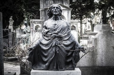 scary cemetery statue