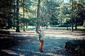 fiatal csípő nyúl maszk nő az őszi