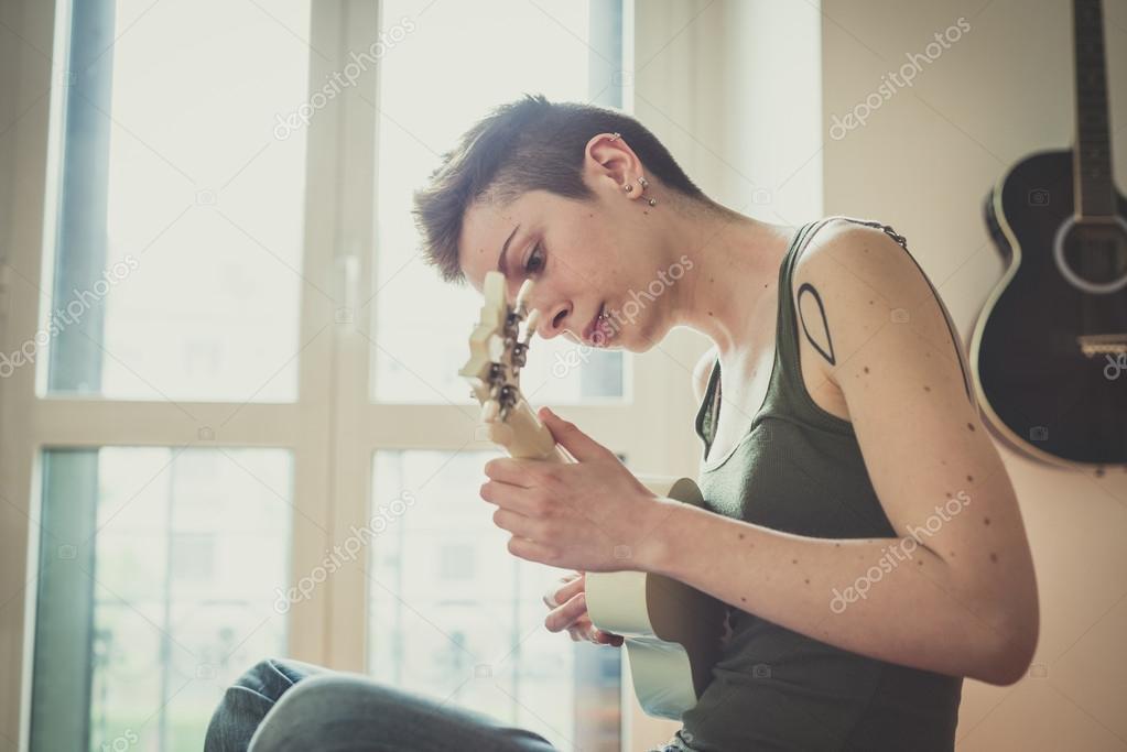 baise impudique avec une etudiante gracieuse