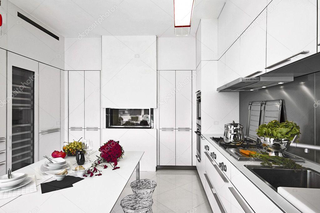 Witte Laminaat Keuken : Moderne witte laminaat keuken u stockfoto aaphotograph