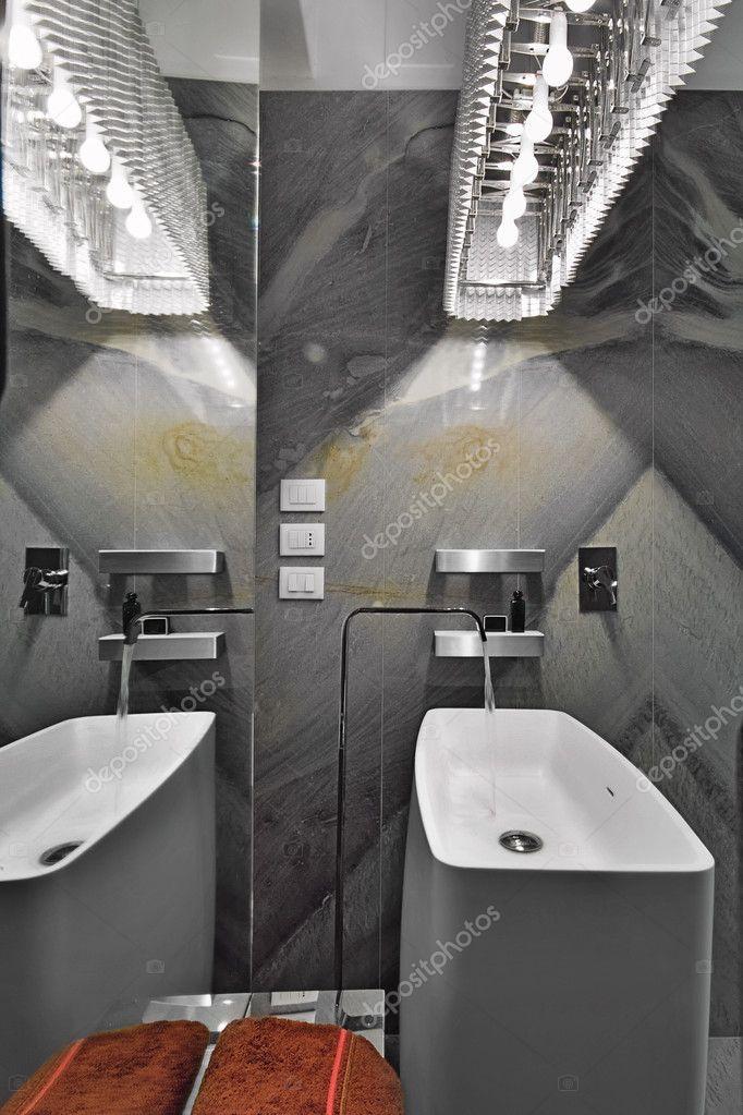 del lavabo del bagno piccolo moderno ? foto stock #12635219 - Bagno Piccolo Moderno