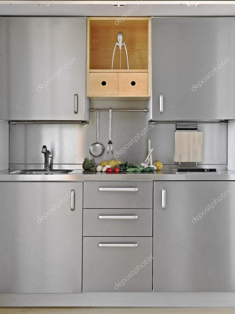 moderna cucina piccola — Foto Stock © aaphotograph #44115803