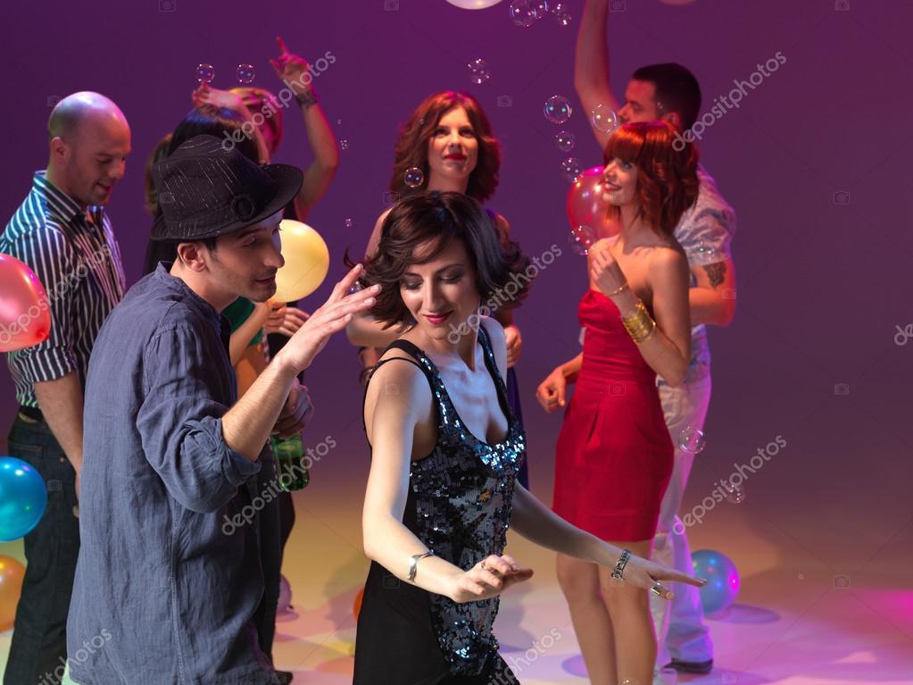 fdbac776d260d Pareja de baile y fiesta