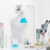 kutató manipulálni laboratóriumi eszközök
