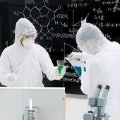 kémiai laboratóriumi kísérlet