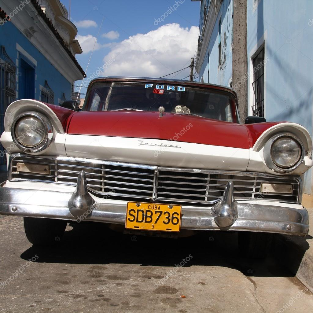 Cuba old car – Stock Editorial Photo © tupungato #49429559