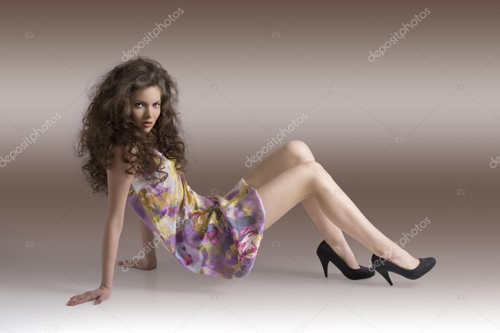 Классная девушка трогает себя фото 157-270