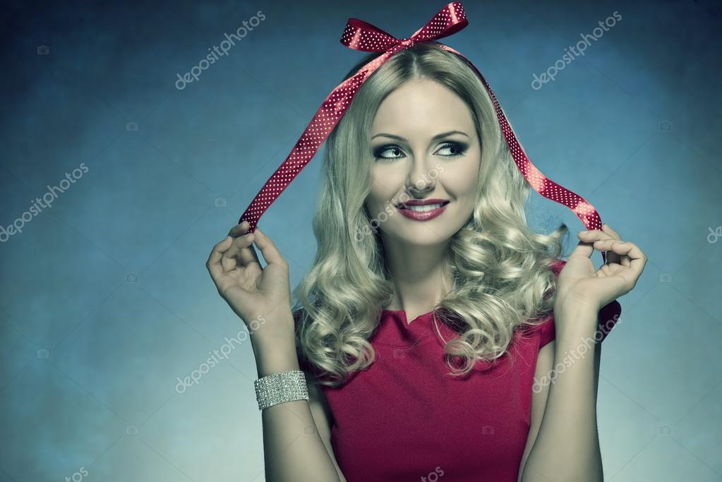 smiling xmas woman with bow