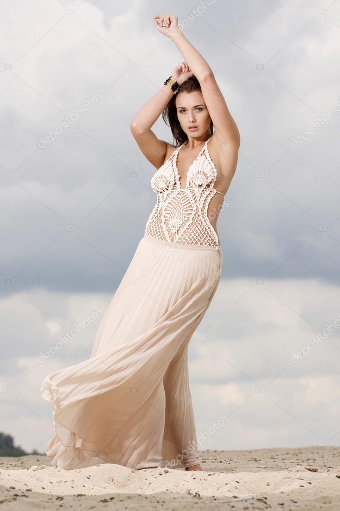 танец в спальне в белом платье секс могут быть красивее