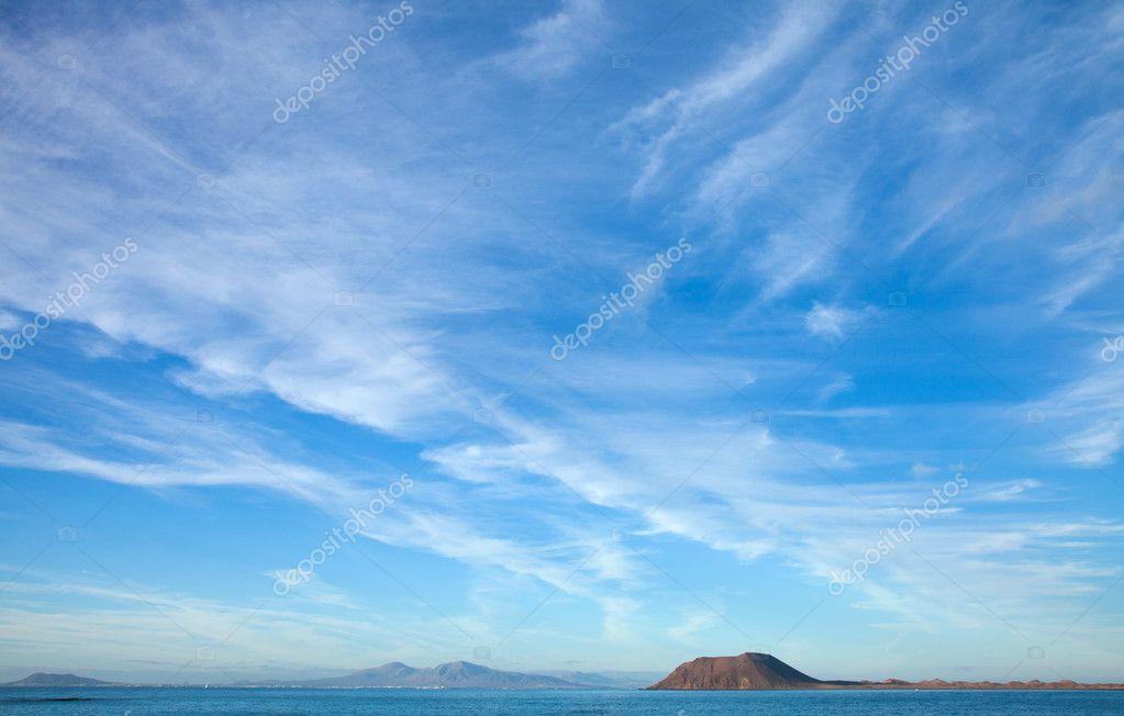 Fuerteventura, view towards Isla de Lobos and Lanzarote, natural