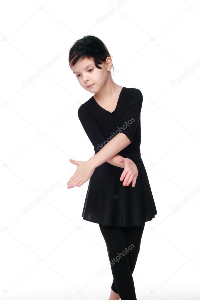 95b51009af8 Joven bailarina sobre fondo blanco sobre belleza y moda hermosa chica en  traje de ballet negro