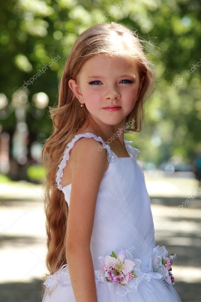 Дети в белых платьях фото