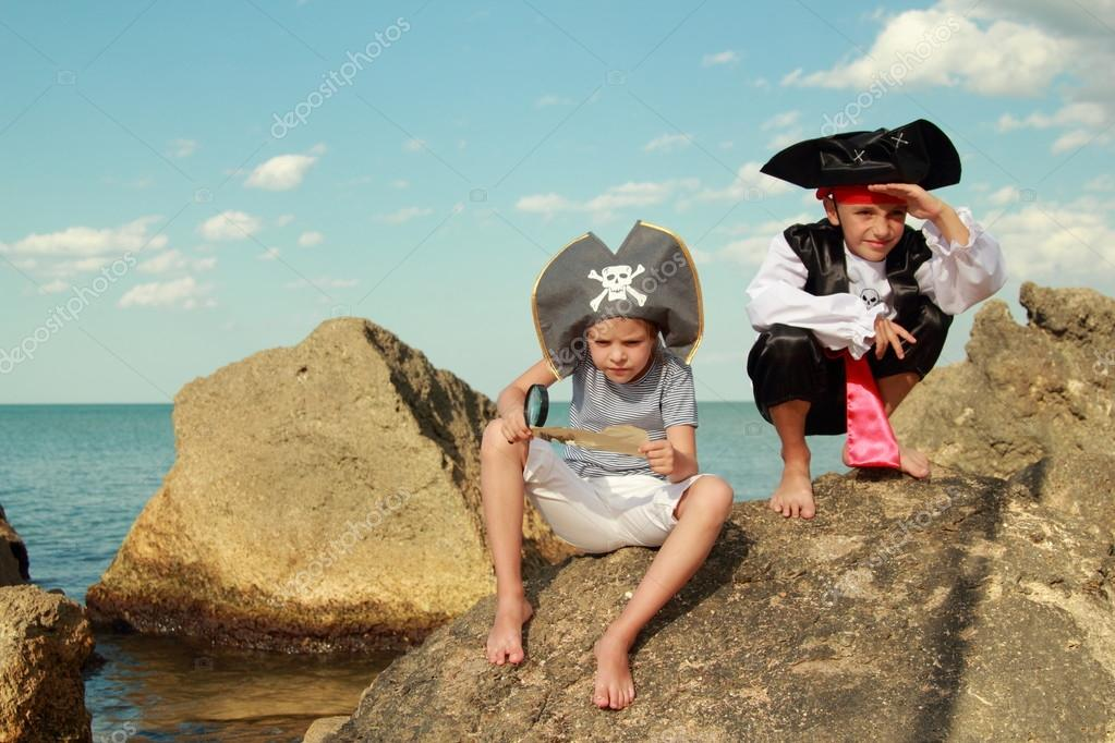 Fancy Dress Pirates