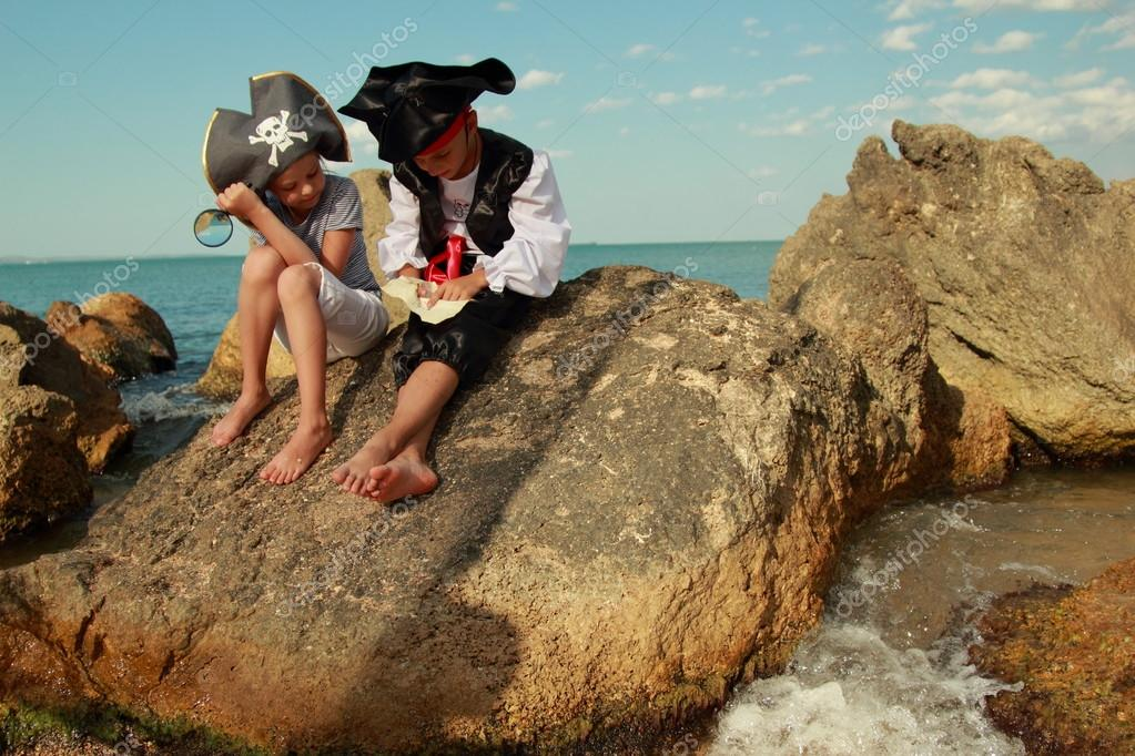 Fancy Dress Pirates