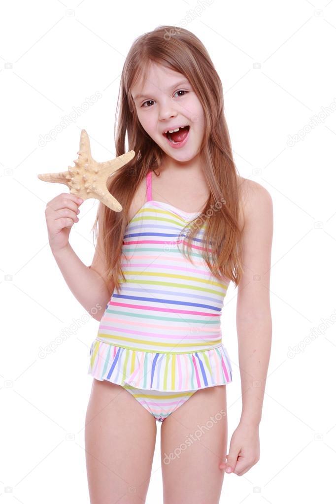 Mode pour petite fille en maillot de bain photographie mari1photo 40299639 - Image pour fille ...