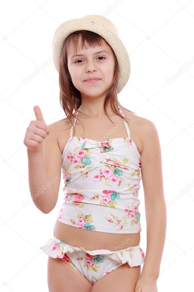 3aa3758df Hermosa niña en traje de baño moderno y sombrero de paja - ropa interior de niña  ver catalogo — Foto de ...
