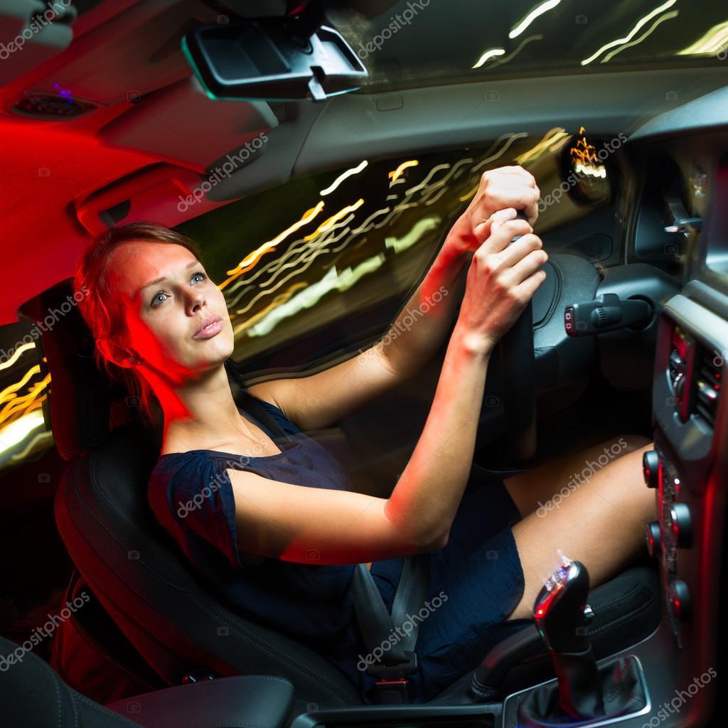 femme conduire une voiture photographie lightpoet 46492209. Black Bedroom Furniture Sets. Home Design Ideas