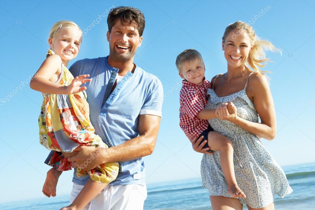 семья нудистов фото