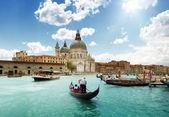 Velký kanál a bazilika Santa Maria della salute, Benátky, Itálie