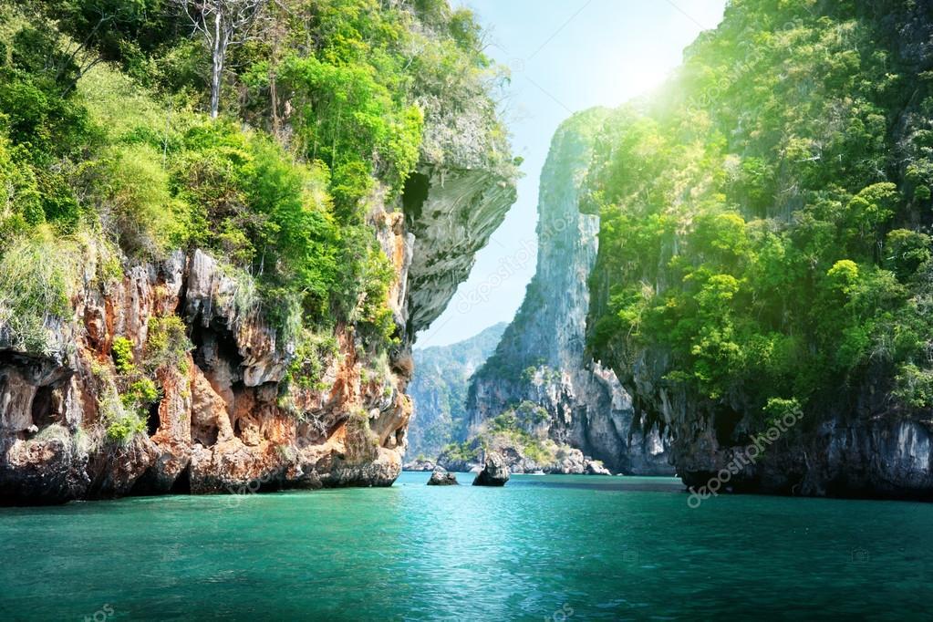 Фотообои rocks and sea in Krabi Thsiland