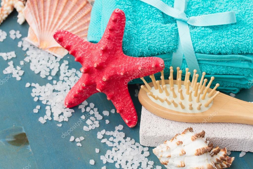 Sea spa setting with starfish