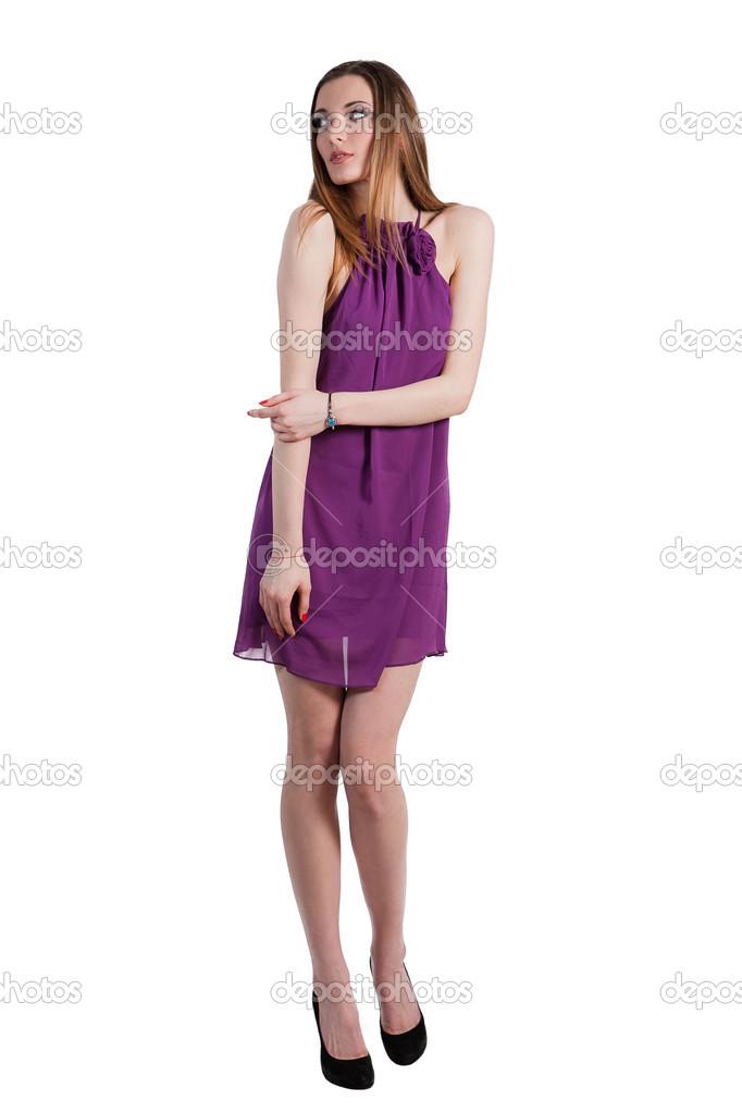 hermosa mujer modelo posando en vestido morado — Foto de stock ...
