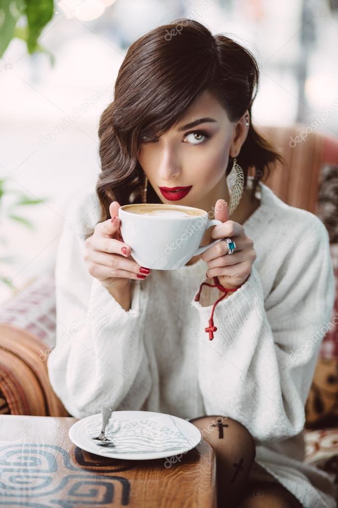 фото с кофе девушки